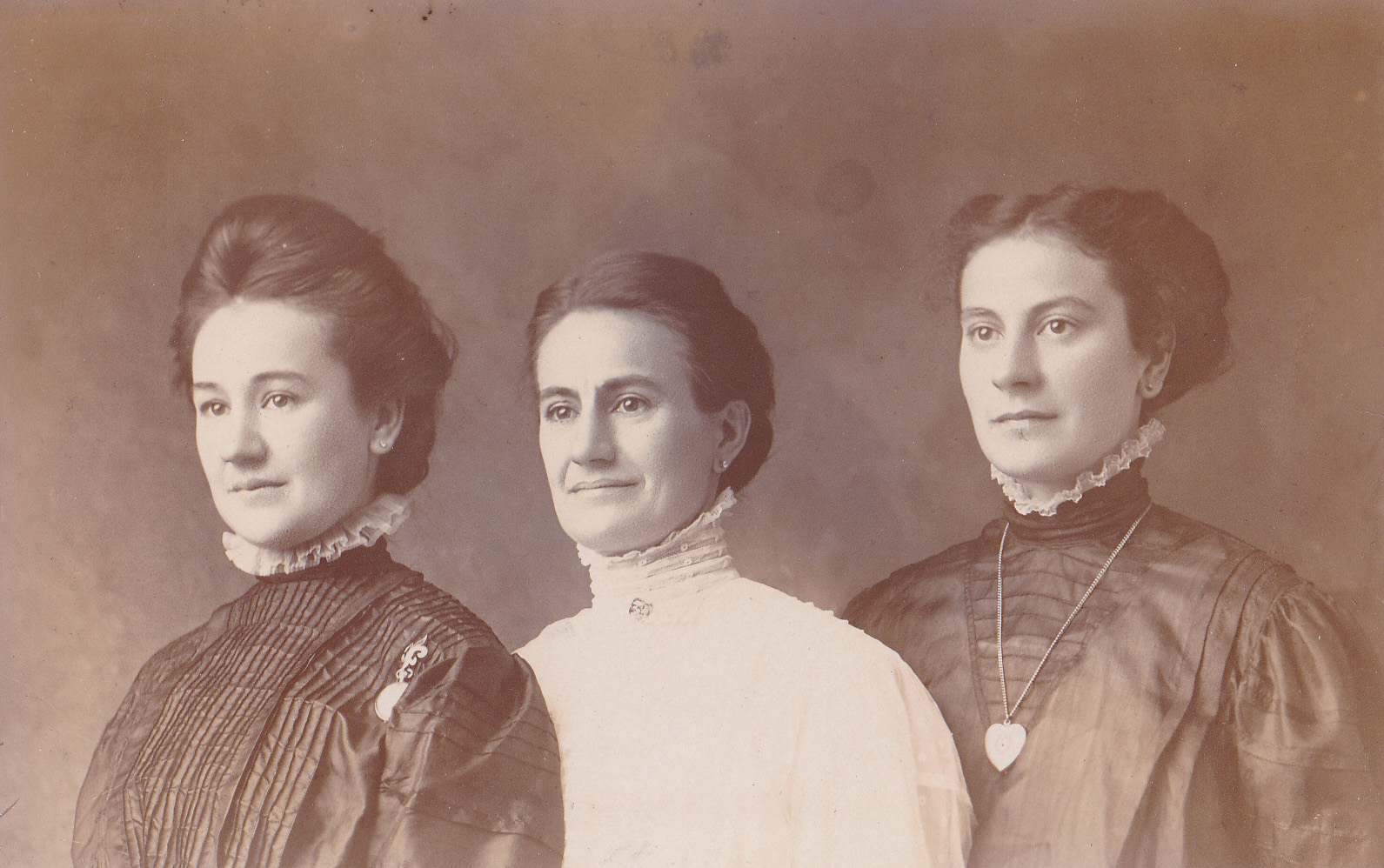 Lydia, Lena and Frieda Meyer (Sisters).